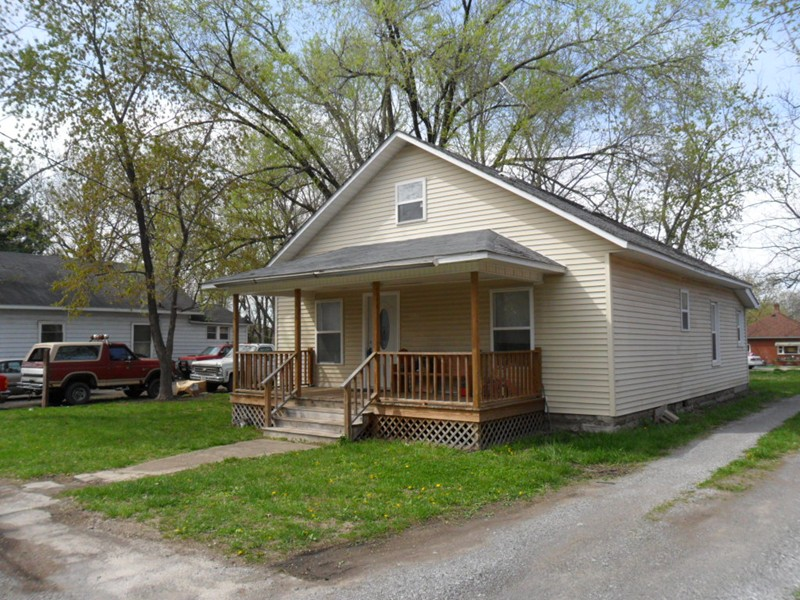 315 E 5th West Frankfort IL, 62896