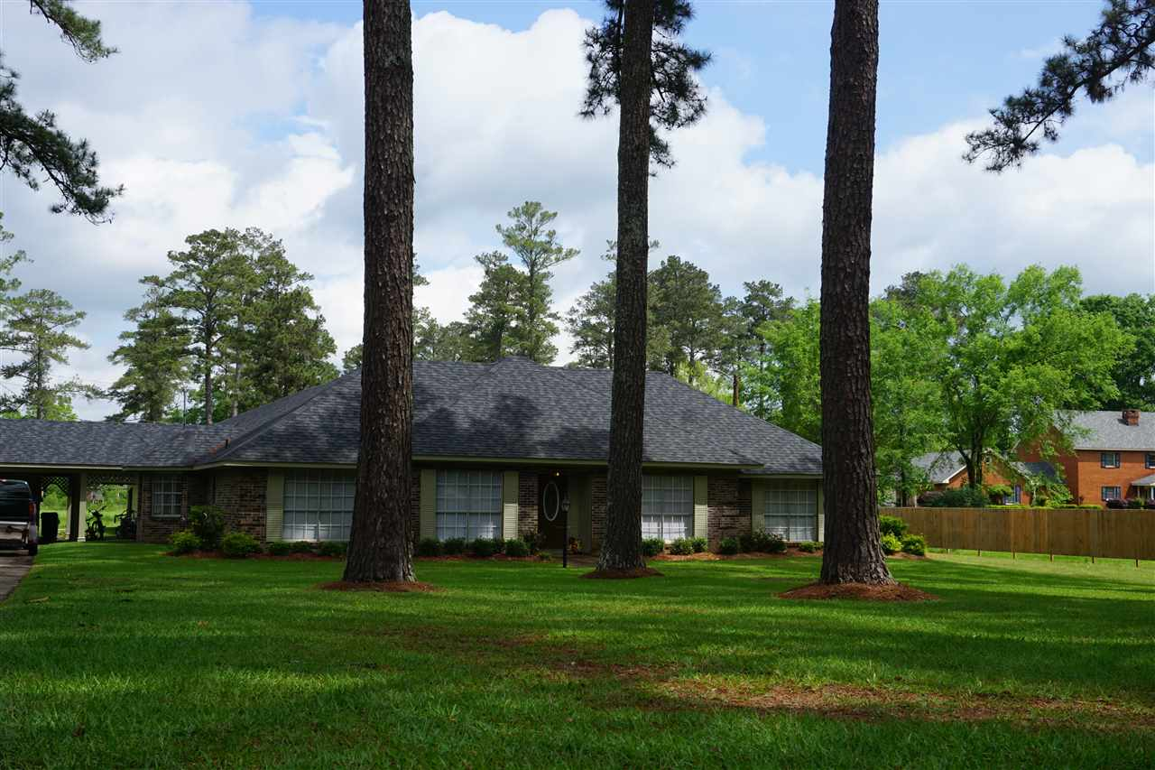 453 Nw Oak St Magee MS, 39111