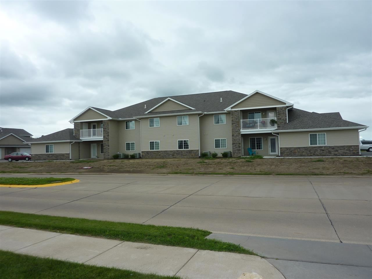 210 E Franklin Street Unit 202 Eldridge IA, 52748